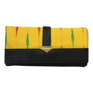 Modern Clutch With Chain